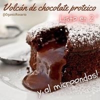 Seguí a @organicrosario por más tips saludables 👉📝 y comenta un hola si te gusta 💓  . Volcán de Chocolate Proteico . Sin azúcar, sin lactosa y sin grasa, super proteico y super fit 🤸 . En menos de 2 minutos te preparas este postre de la ostia. Sorprende a todos tus amigos en este día ! . 🔅Ingredientes🔅 ✔️ 10 gr. de cacao puro sin azúcar ✔️ 10 gr harina de avena ✔️ Edulcorante a gusto ✔️ 1 huevo  ✔️ 1 tableta (10 gr.) de chocolate negro sin azúcar . 🔅Preparación🔅 ✔️ Batir el huevo un minuto ✔️ Agregar el cacao, la harina de avena y edulcorante ✔️ Batir hasta que no haya más grumos ✔️ Colocar todo en una taza o molde al microondas por 25 segundos a máxima potencia ✔️ Sacar e introducir en el centro el chocolate negro en trozos ✔️ Terminar de cocinar por 30/35 segundos mas ✔️ Sacar, dejar reposar 30 segundos y desmoldar ✔️ A disfrutar de un exquisito volcán de chocolate proteico 💪 . Etiqueta a 3 amigos que quieras mucho y compartiles esta súper receta saludable 📝 . ☝️ Como siempre decimos ... Si los alimentos son orgánicos, mucho mejor‼️ . Conoces nuestra tienda online de productos orgánicos y naturales❓ ⤵️ 🔹🔹🔹🔹🔹🔹🔹🔹🔹🔹🔹 🛒tienda.organic.com.ar 📩 info@organic.com.ar 🔹🔹🔹🔹🔹🔹🔹🔹🔹🔹🔹 . . . . . . . #volcandechocolate #postreando #rosarioargentina #postressaludables  #soysaludable #recetasfaciles #recetassaludables #postresaludable #recetasgratis #postrefit #postrecasero #postrefacil #postresaludables #postrescaseros #postresfaciles #ricoysaludable #dietasanaysaludable #postresfitness #postrecito #postressaludables #postressanos #postresfrios #postresricos #postresdeliciosos  #alimentosorganicos #alimentaciónsaludable #cambiaxorganic